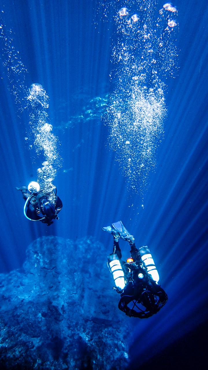 kilsby sinkhole dives